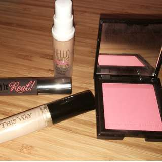 Too faced Born this way concealer light(full size)