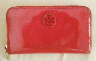 Repriced-Tory Burch Patent Leather Stacked Logo Zip Continental Wallet