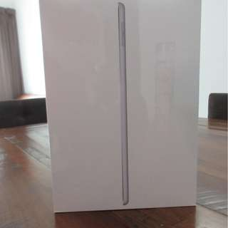 IPad 6th generation 32GB wi-fi