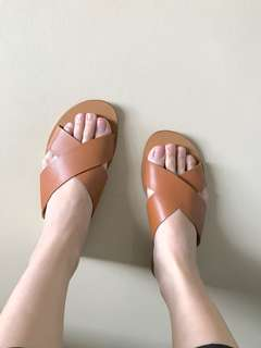 Carmelettes leather brown sandals