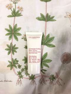 🚚 clarins exfoliating body scrub for smooth skin
