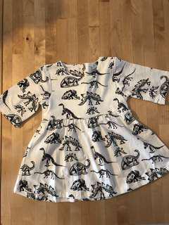 🚚 Dino dress