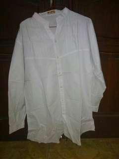Blouse Putih Polos krah sanghai-masih putih bersih bagus