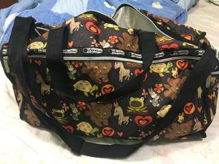Preowned Le sportsac travel bag ( bowler style)