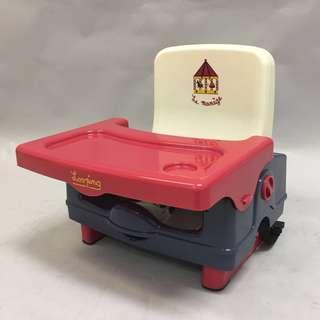 全新  便攜式小餐椅 餐桌加高坐櫈 方便携帶