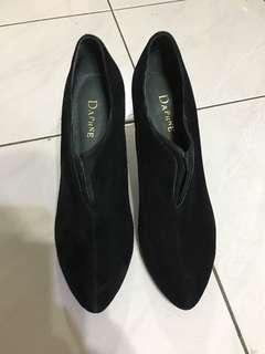 Preloved Daphne High heels