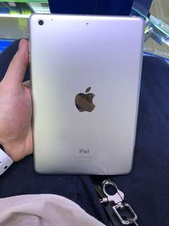 i pad mini 2 (16gb)