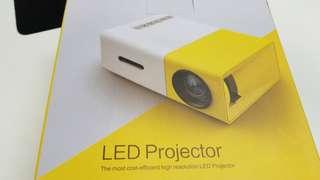 全新迷你LED投影機 Projector