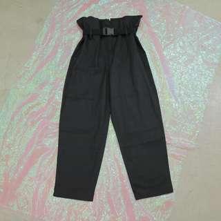 安全釦造型皮帶寬褲