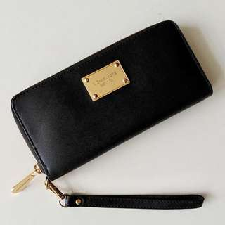 Authentic Michael Kors Black Jet Set Zip Around Continental Wallet Wrsitlet