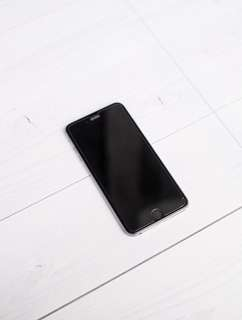 IPHONE 6+ 64gb SPACE GREY + 2 free leather case apple + spigen