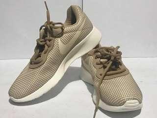 Womens Nike Tanjun SE