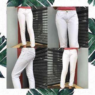 white jeans  size 29, gak pernah di pakek karna kebesaran
