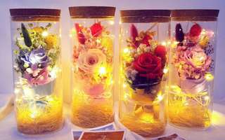 Preserved flowers with fairy lights in glass tube / Pre order Birthday Bouquet / Graduation Gift / Anniversary Bouquet
