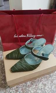 Salvatore ferragamo  7號綠色高跟涼鞋