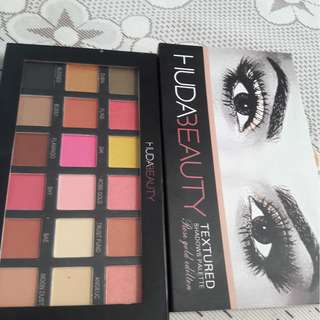 Eye shadow huda original