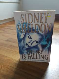 *flash sale* Sydney sheldon sky is falling