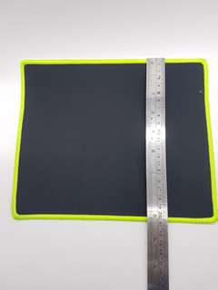 Mouse pad 25cm x 20cm black with lime green triming