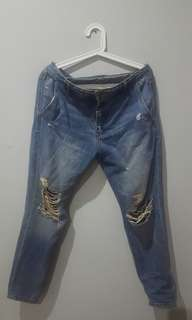 Pull & Bear Ripped Denim Jeans Mommy Cutting Size XL