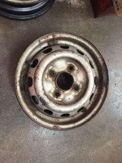 Nissan Vannete C22 tyre Rim