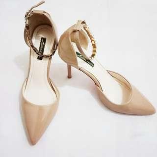 SALE!!! Nude heels