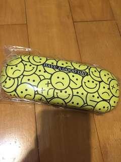 哈哈笑眼鏡盒