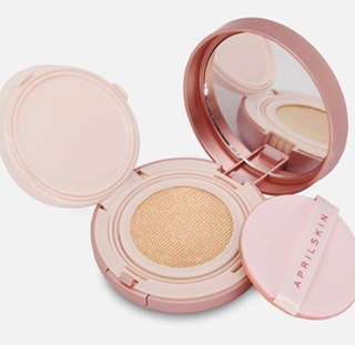 🚚 🌈 INS April Skin Magic Snow Fixing Cushion 3 in 1 (Foundation, Concealer, Powder)