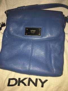 DKNY Bodybag