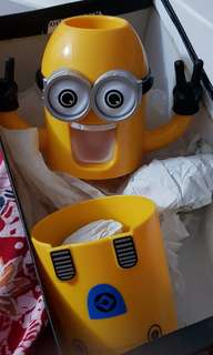 Minion toothpaste holder n cup