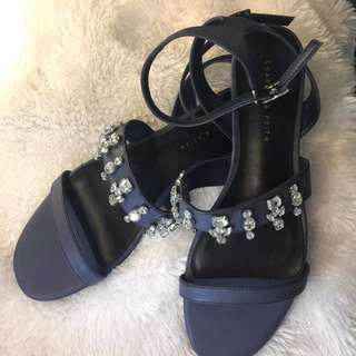 ORIGINAL CHARLES AND KEITH SANDALS