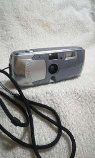 #winsb Vintage Olympus i - 10 Camera