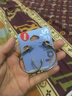 Anting Claire's