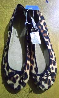 Old Navy Leopard Ballet suede with memory foam insoles