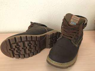 Winter Trekking Hiking Boots (used once only)