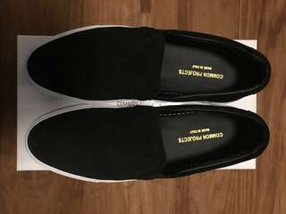 Common projects slip on suede black