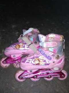 Sepatu roda thunderbolt