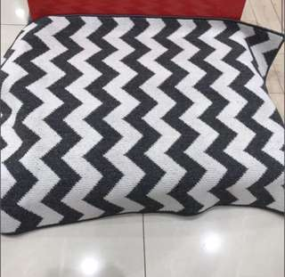 SOLD! KARPET / RUGS SCANDINAVIAN CHEVRON zigzag