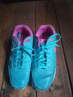 Sepatu nike biru tosca