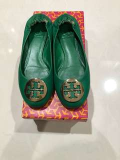TORY BURCH DERBY FLATS GREEN SIZW 6