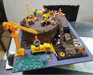 Birthday cake-construction theme