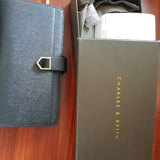 Dompet Charles and Keith Black ORI Counter