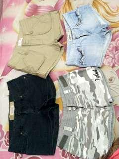 Hotpants  Ripcurl, Fox company dan Trf Denim size 36. Ambil 2 celana harga 40rbu.