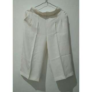 White kulot