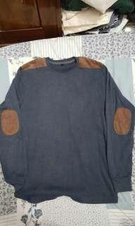 Sweter biru dongker