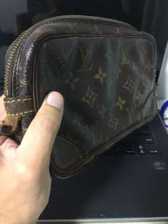Louis Vuiton pouch bag