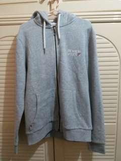 全新 灰色有帽拉鍊外套 Zip Hoodie  中碼 衫長26寸,胸闊20.5寸