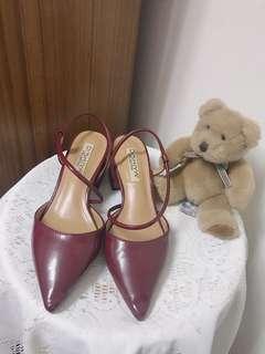 🚚 時尚酒紅短根鞋