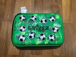 Smiggle Gift pack pencil case bola