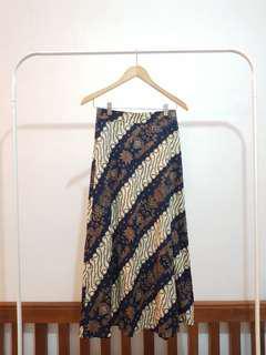 NEW Rok Batik