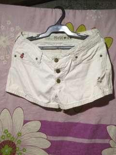 White short ( never used)